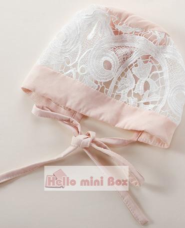 Soft Rochie de botez dantela chimică de înaltă calitate, cu curele și pălărie