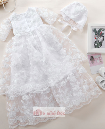 Klassisk lang fulle trådblonder dåpskjole og med blonderdeksel