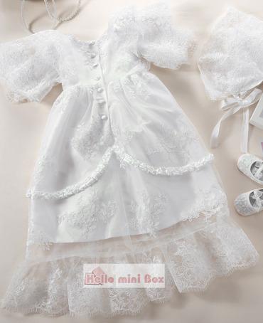 Vestido de bautizo de encaje completo con tiras decorativas de dos capas y tiras decorativas de múltiples capas