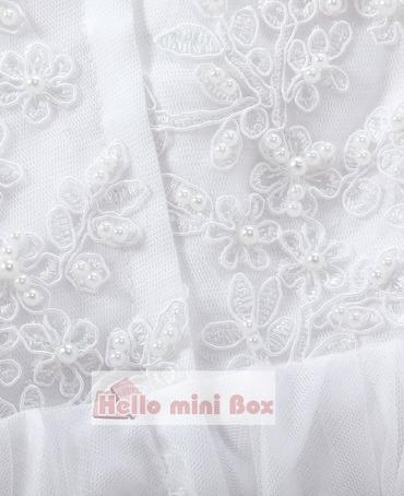 Vestido de bautizo de perlas de encaje de seda con flores grandes y lazo decorativo